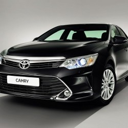 New 2015 Toyota Camry Facelift Unveiled: Images and Details