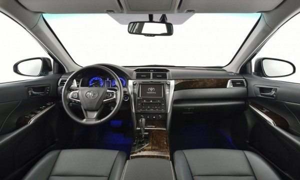 2015-Toyota-Camry facelift interior (15)
