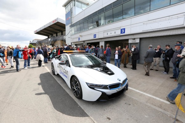 BMW-i8-safety-Car-Formula-E