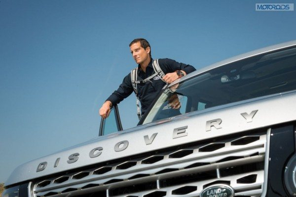 Bear Grylls and the Land Rover Discovery (1)
