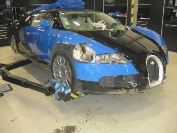 Bugatti-Veyron-Crashed-Bid-Image-1