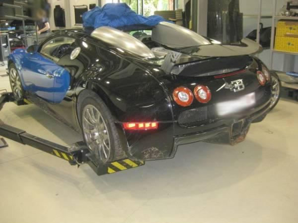 Bugatti-Veyron-Crashed-Bid-Image-9
