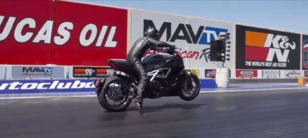 Ducati Diavel Smokes Chevrolet Corvette Stingray in Quarter Mile