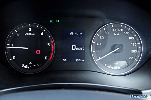 Hyundai Elite i20 MID info (5)