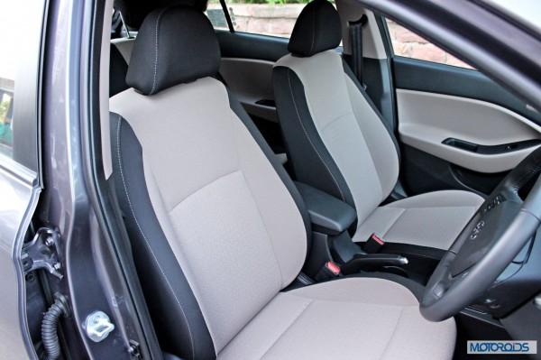 Hyundai Elite i20 front seats