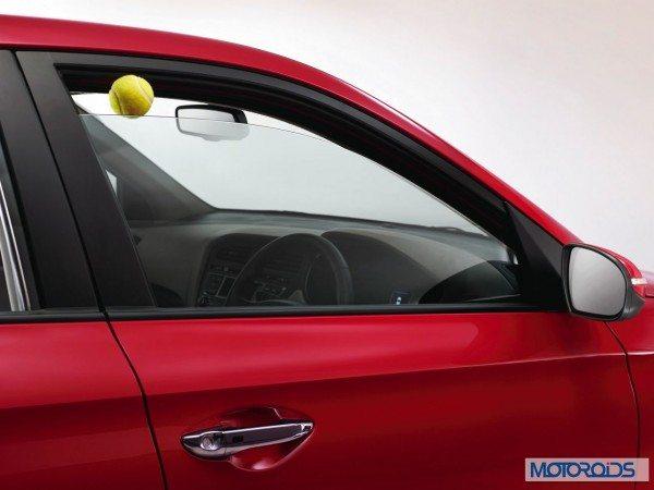Hyundai Elite i20Anti pinch power windows