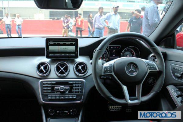 Mercedes CLA45 AMG instruments (2)