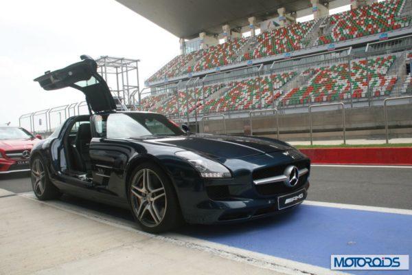 Mercedes-SLS-AMG-at-BIC-2-600x400