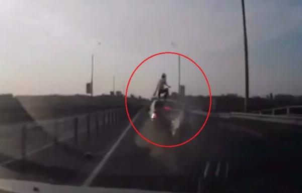Motorcyclist-Survives-Crash-Russia