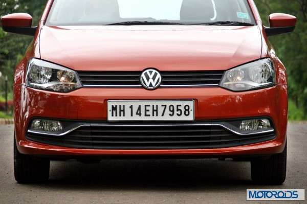 New 2014 Volkswagen Polo 1.5 TDI head-on view 5