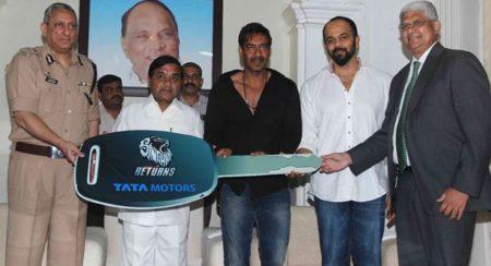 Tata Sumo gifted to Mumbai Police