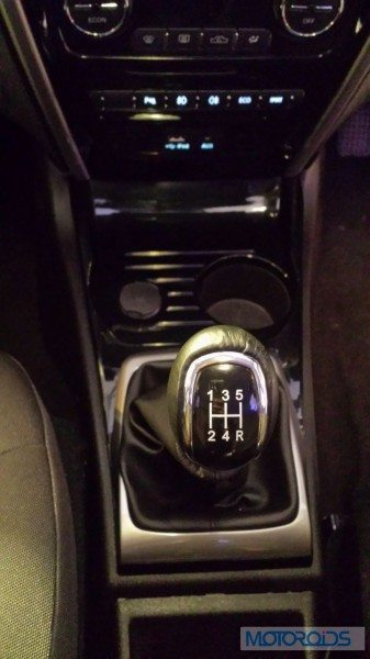 Tata-Zest-Launched-Revotron-interior-Manual-Gearbox