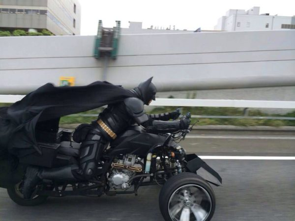 batman-caught-on-batpod