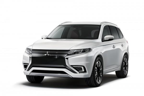 2014-Paris-Motor-Show-Mitsubishi-Outlander-PHEV-4WD-SUV-plug-in-hybrid (1)