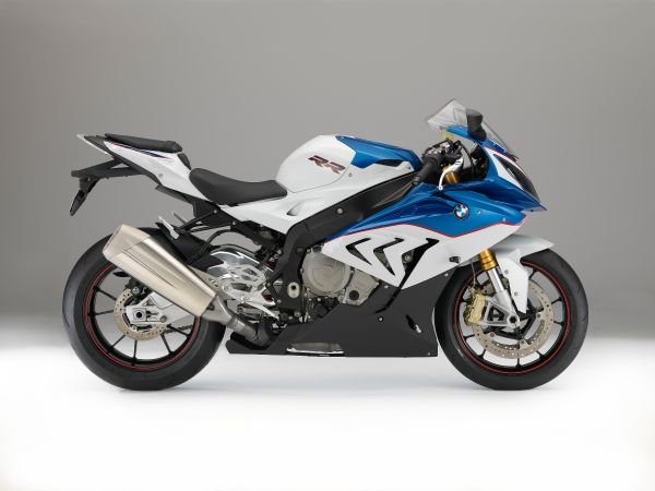 2015-BMW-S-1000-RR-Official-Images (17)