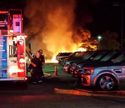 fire at jaguar land rover dealership in massachusetts burns 20 cars motoroids. Black Bedroom Furniture Sets. Home Design Ideas
