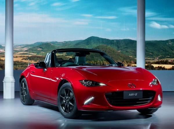 All-new 2016 Mazda MX-5 Miata drops it's top (28)