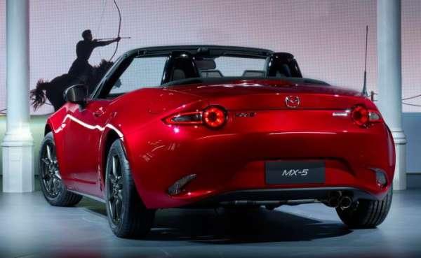 All-new 2016 Mazda MX-5 Miata drops it's top (3)