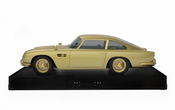 Gold Plated Aston Martin DB5 scale model sells for 55 Lakh Rupees (2)