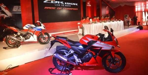 Honda-CBR150R-2014-Indonesia-launch
