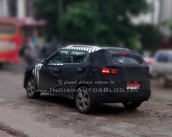 Hyundai-ix25-Spied-in-India (1)