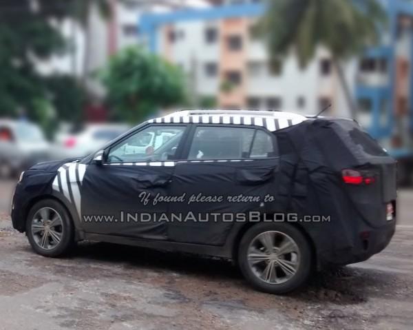 Hyundai-ix25-Spied-in-India (4)