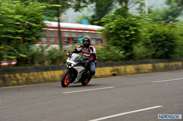 KTM-RC390-Review-Action-Shots (10)