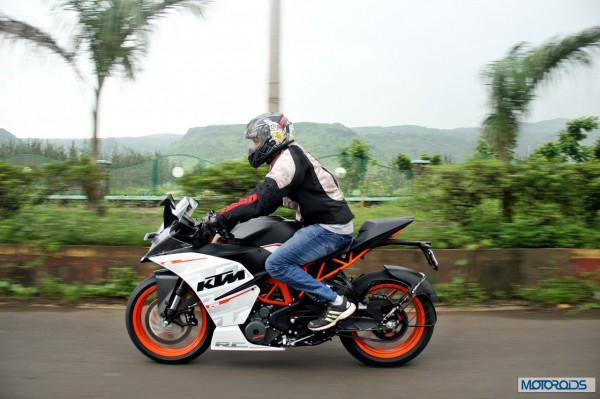 KTM-RC390-Review-Action-Shots (21)
