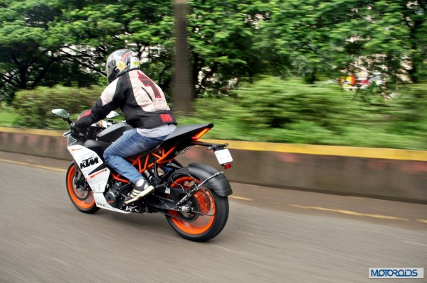 KTM-RC390-Review-Action-Shots (9)