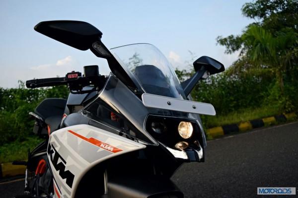 KTM-RC390-Review-Front-Three-Quarter-Close-Up