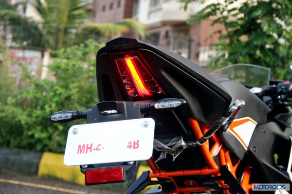 KTM-RC390-Review-Number-Plate-Holder-Close-Up