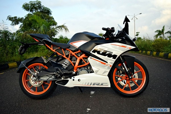 KTM-RC390-Review-Side-Profile