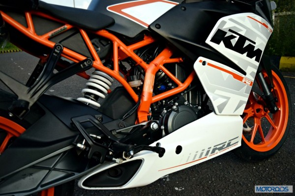 KTM-RC390-Side-Profile-Close-Up
