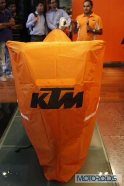 KTM-RC390-Vashi-Showroom-Launch-1