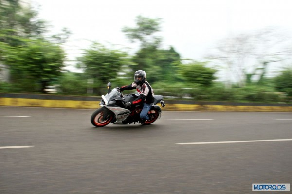 KTM RC390 vs Kawasaki Ninja 300 vs KTM Duke 390 (100)