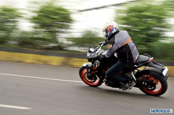 KTM RC390 vs Kawasaki Ninja 300 vs KTM Duke 390 (113)