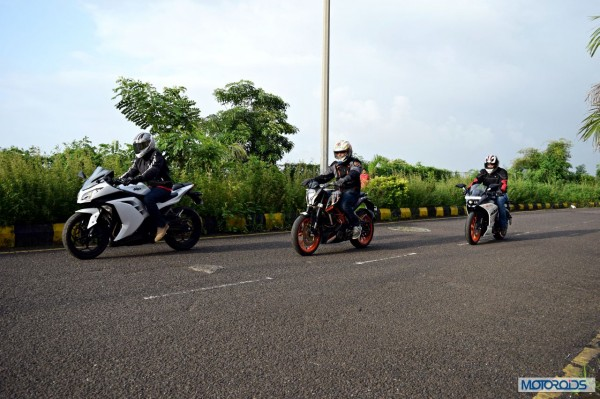 KTM RC390 vs Kawasaki Ninja 300 vs KTM Duke 390 (14)