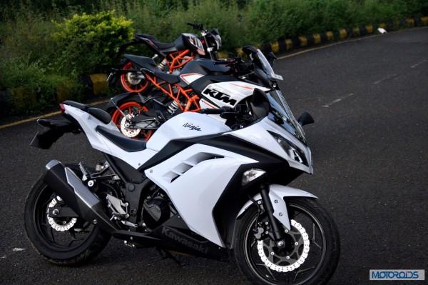 KTM RC390 vs Kawasaki Ninja 300 vs KTM Duke 390 (46)