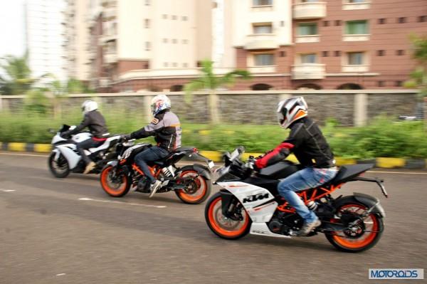 KTM RC390 vs Kawasaki Ninja 300 vs KTM Duke 390 (57)