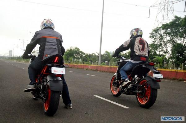 KTM RC390 vs Kawasaki Ninja 300 vs KTM Duke 390 (72)