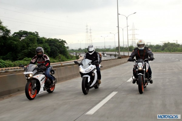 KTM RC390 vs Kawasaki Ninja 300 vs KTM Duke 390 (90)