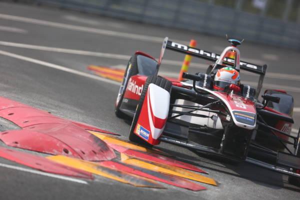 Karun Chandhok ends fifth, Bruno Senna unlucky at inaugural Formula E race (1)