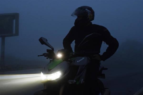 Kawasaki Z1000 Projector beam