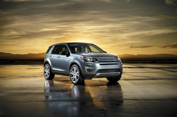 Land Rover gives a chance to win a trip to space (1)