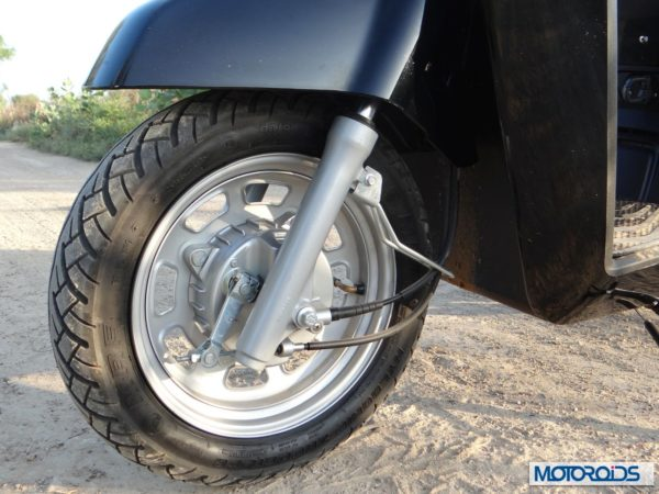 Mahindra Gusto scooter wheel and tyres (3)