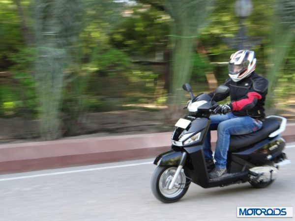 Mahindra gusto 110 scooter review India (17)