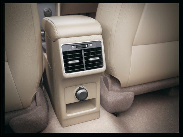 Maruti Suzuki Ciaz Variants in Detail (4)