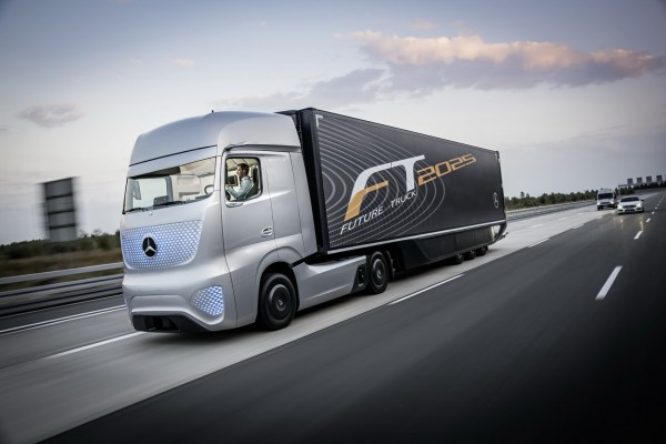 Mercedes-Benz Future Truck 2025 Images and Details (1)