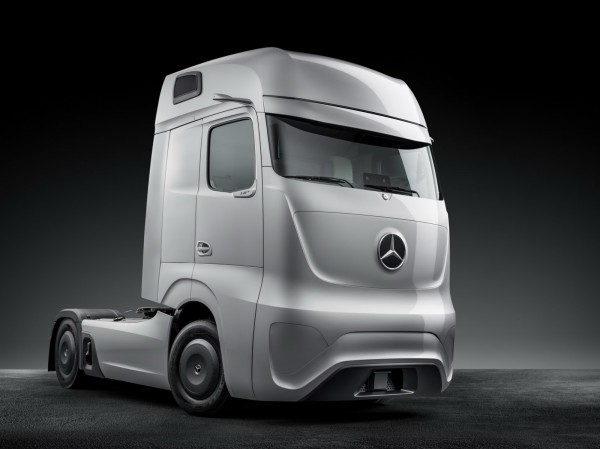Mercedes-Benz Future Truck 2025 Images and Details (14)