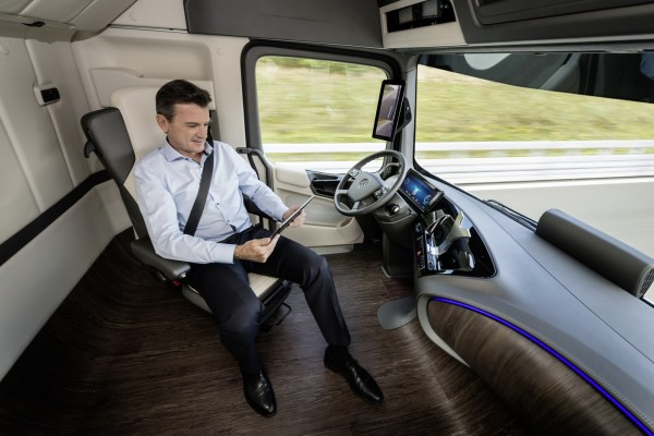 Mercedes-Benz Future Truck 2025 Images and Details (28)